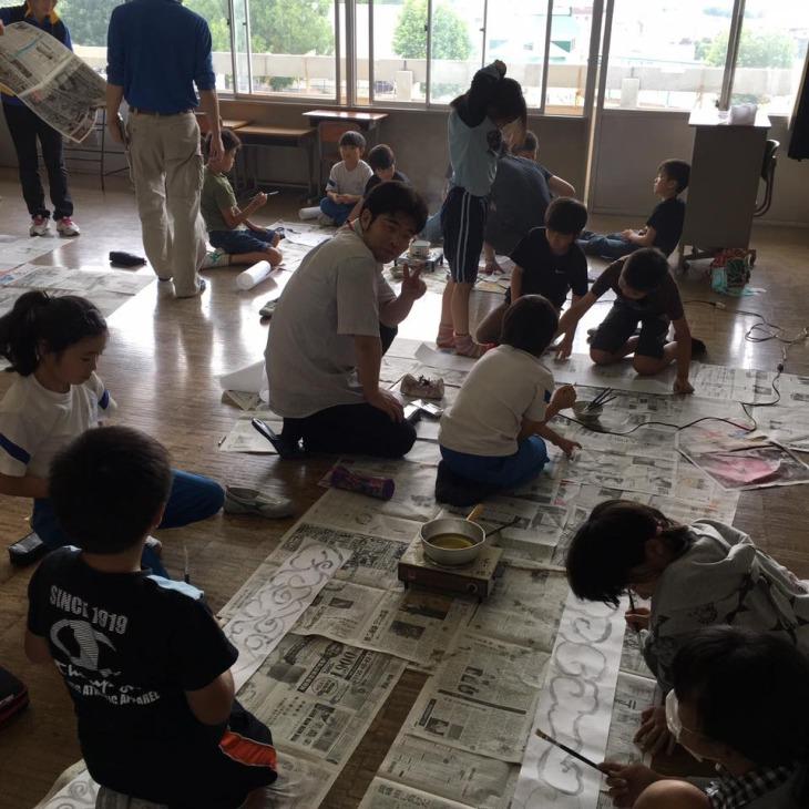 尾島小学校ねぷた指導訪問➂